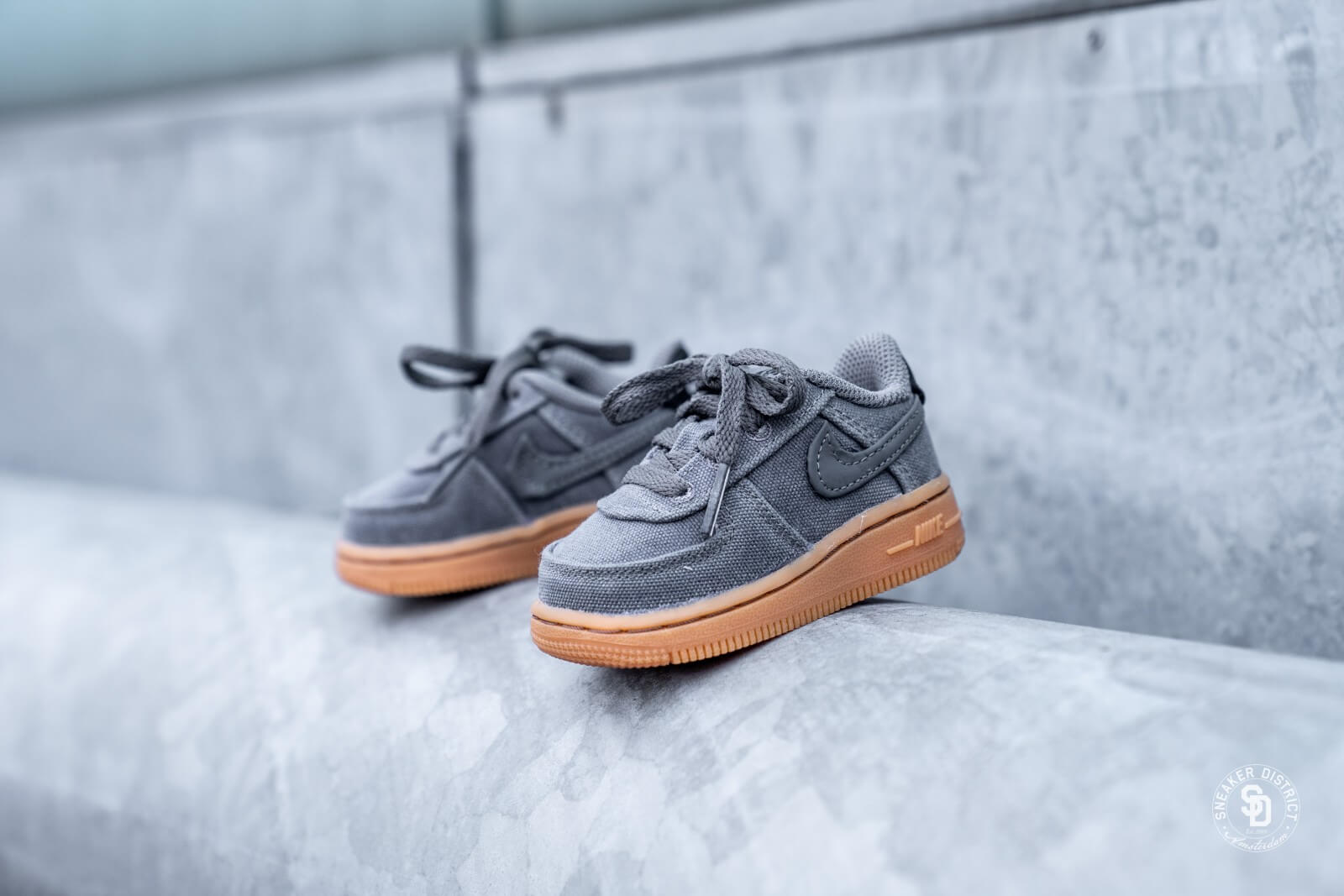 air force 1 lv8 style