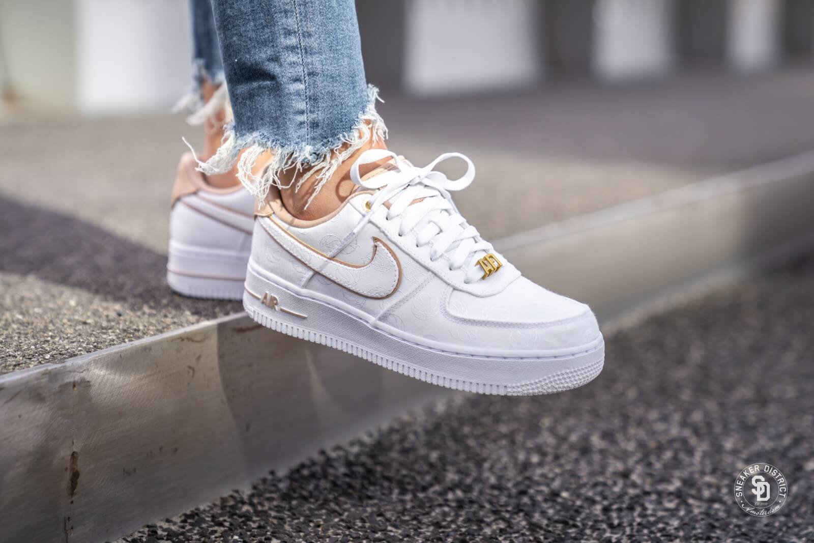 nike air force 1 07 beige