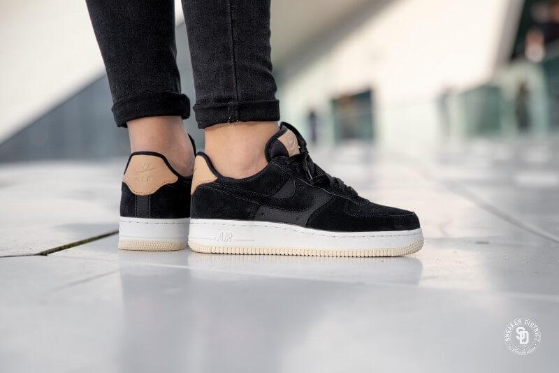 Nike Women's Air Force 1 '07 Premium