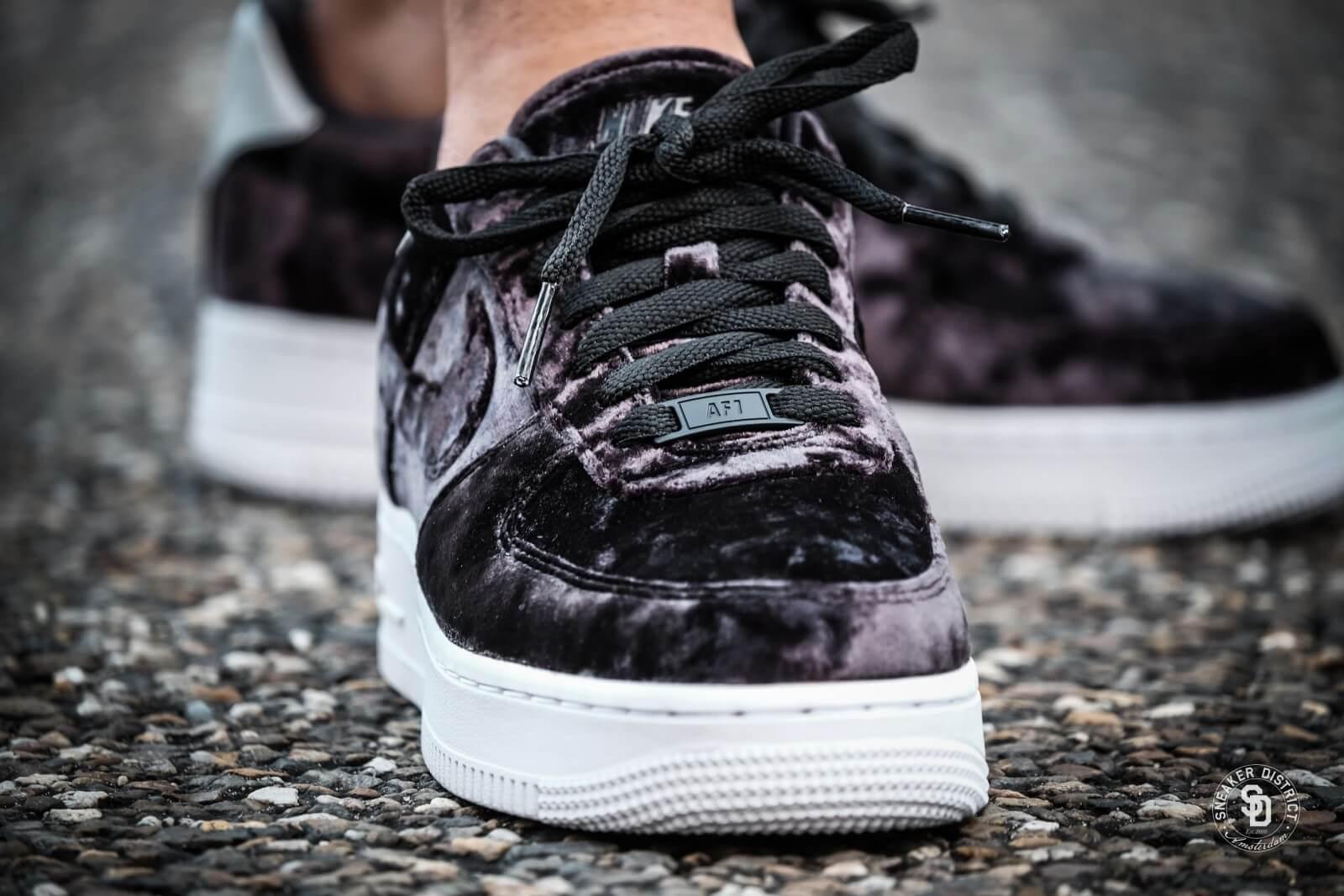 Nike Women S Air Force 1 07 Premium Black Summit White