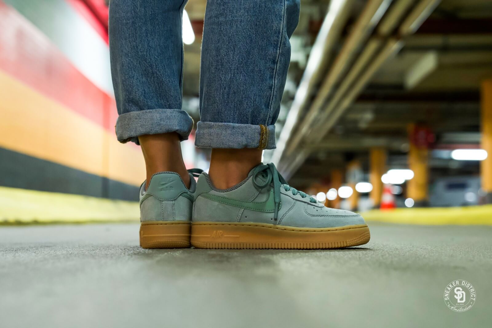 Nike WMNS Air Force 1 '07 SE Cargo Green | 43einhalb Sneaker Store