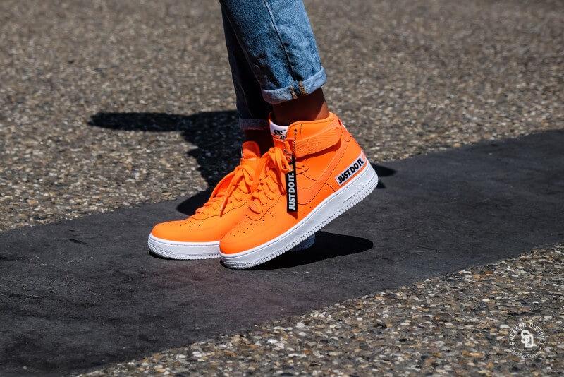 separation shoes 2fdab ebce5 Nike Women s Air Force 1 Hi LX Leather Total Orange White - BQ7925-800
