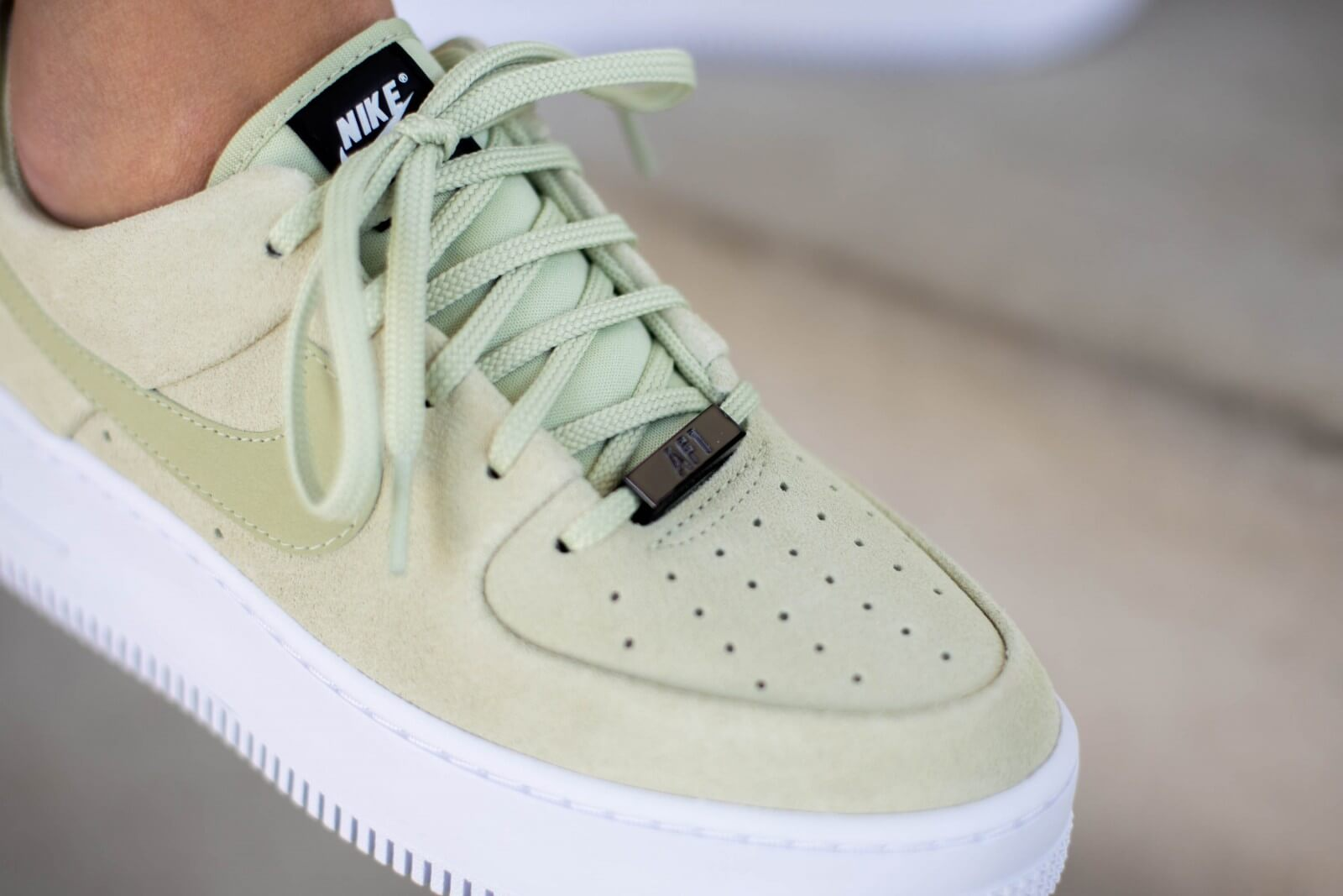 Nike Women's Air Force 1 Sage Low Olive Aura/White-Black ...