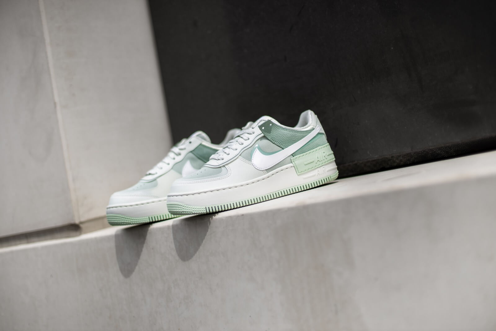 Nike Women S Air Force 1 Shadow Spruce Aura White Pistachio Frost Cw2655 001