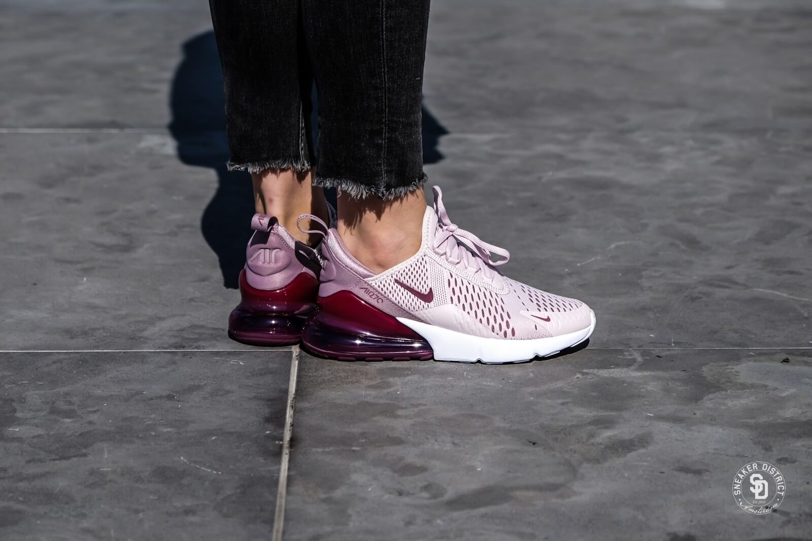 Womens Nike Air Max 270 Trainers Barely RoseElemental Rose