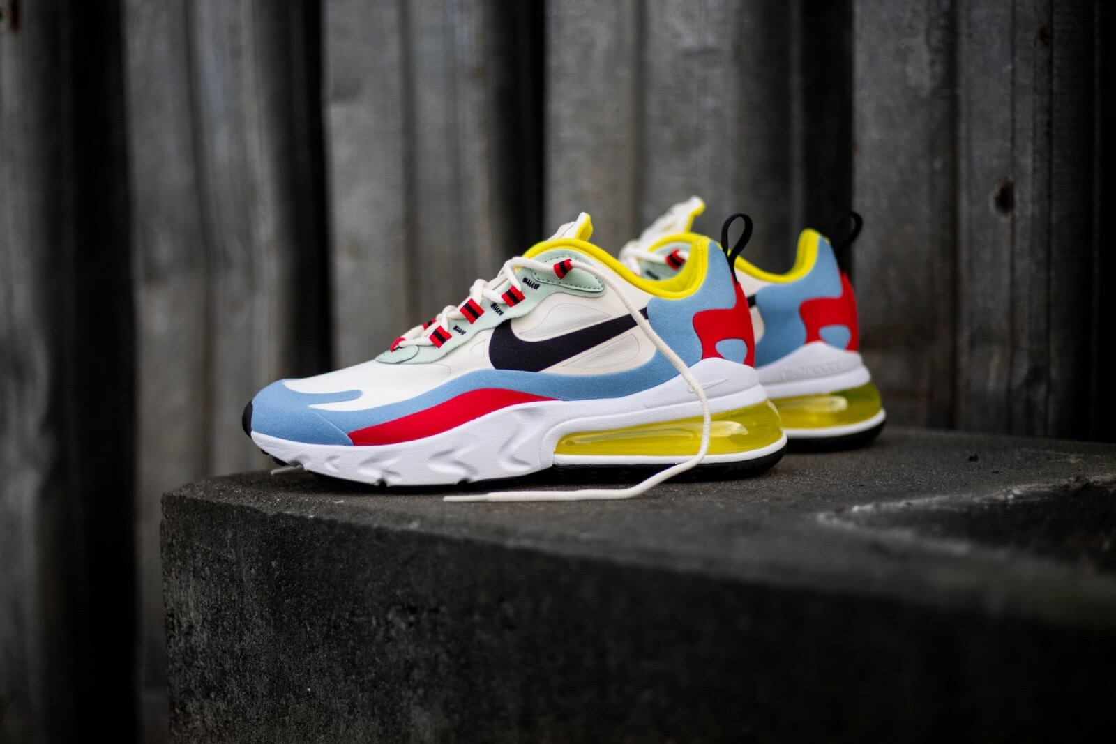 Nike Air Max 270 React W PhantomLight BlueUniversity Red
