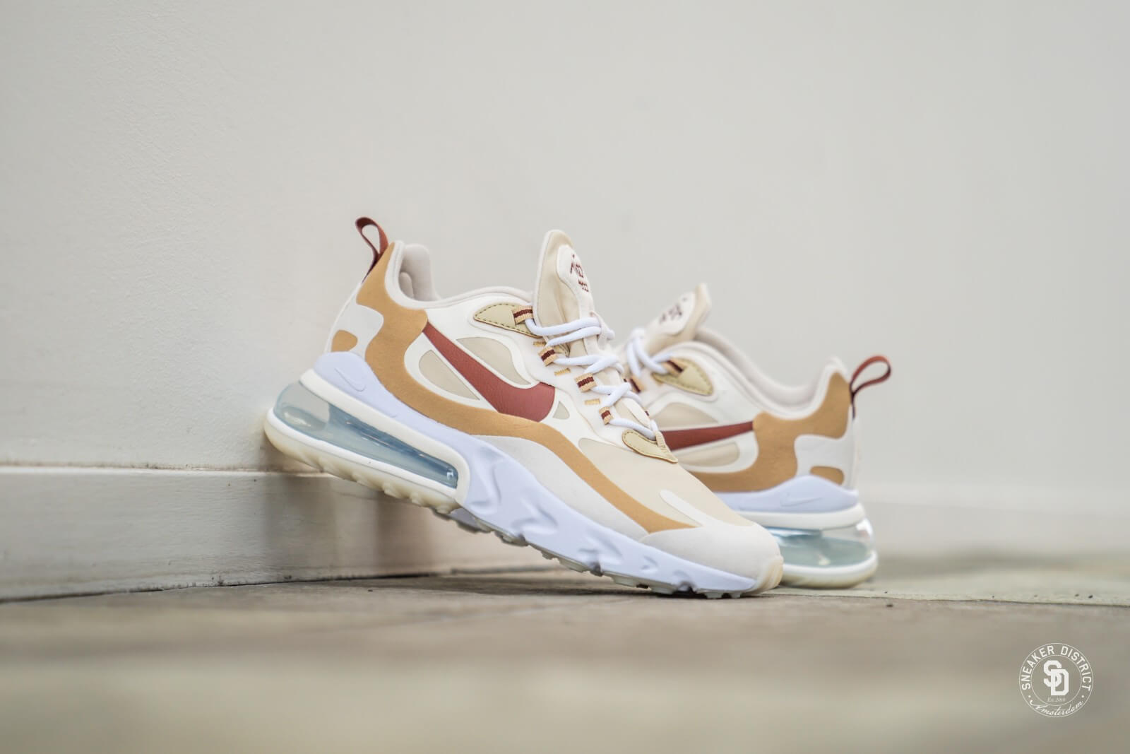 Nike Women S Air Max 270 React Team Gold Cinnamon Club Gold