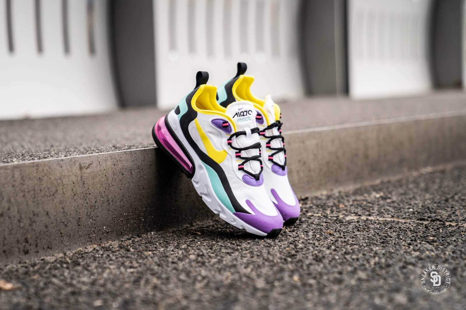 Nike Women S Air Max 270 React White Dynamic Yellow Black At6174 101