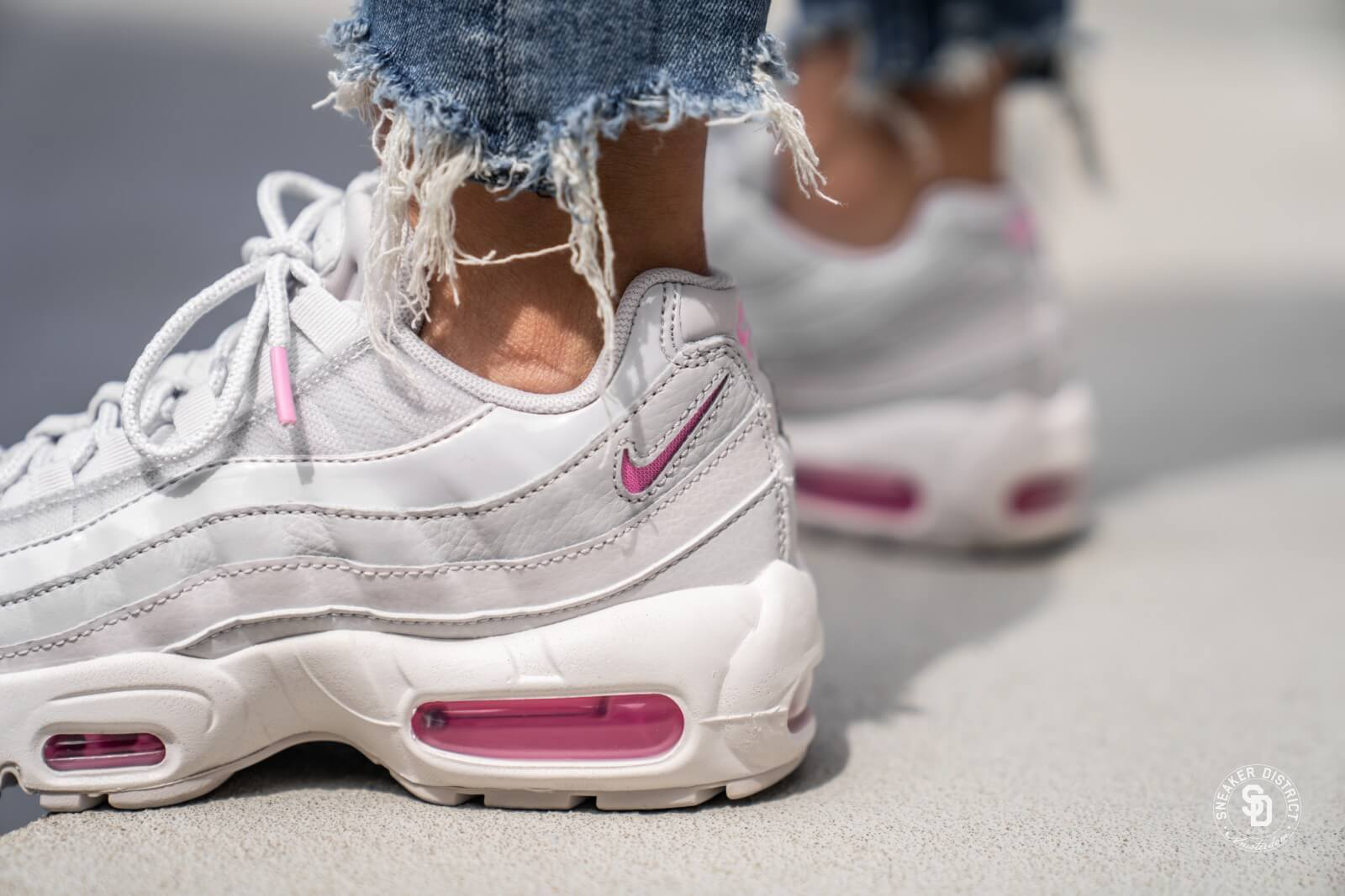 Nike Women S Air Max 95 Se Vast Grey Psychic Pink Summit White