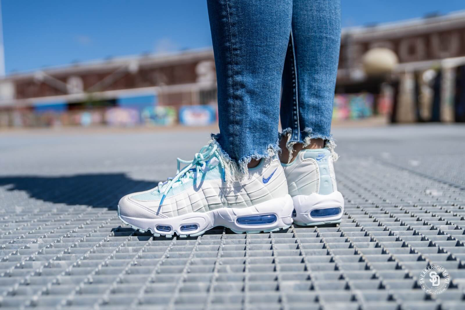 Nike Women S Air Max 95 Teal Tint Royal Pulse White 307960 306