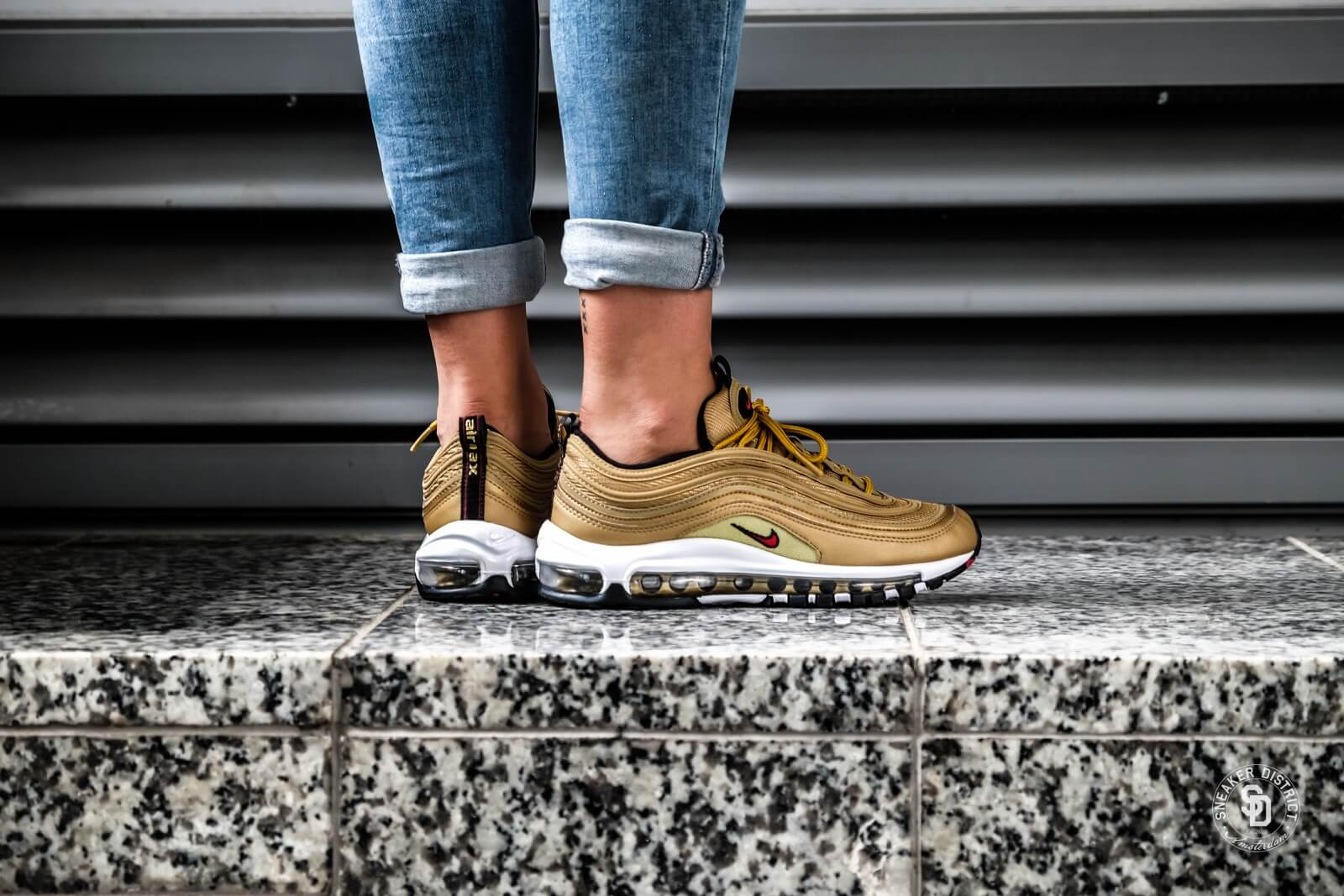 Womens Nike W Air Max 97 OG QS Metallic GoldVarsity Red