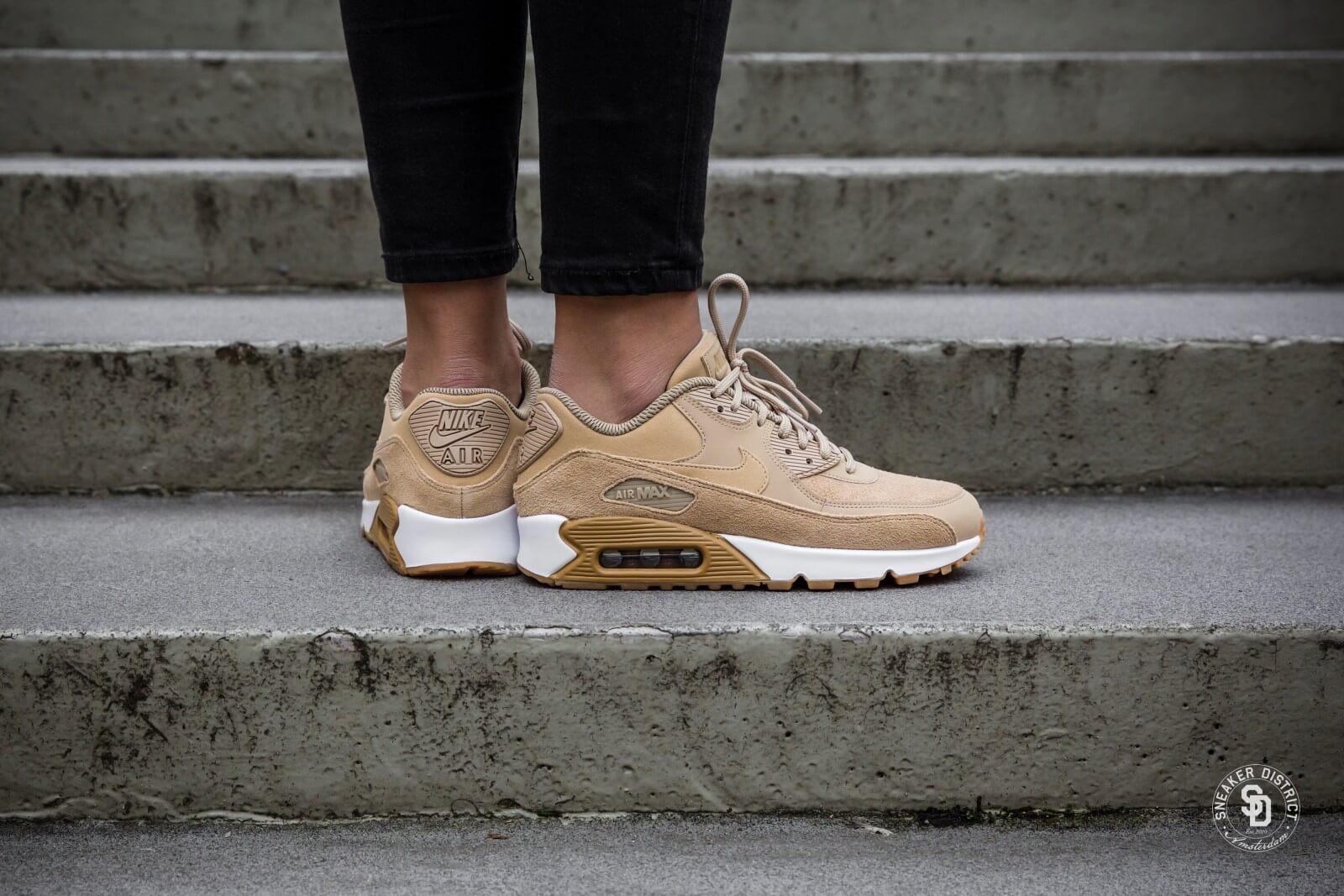 Look - Women air max 90 Nike pictures video