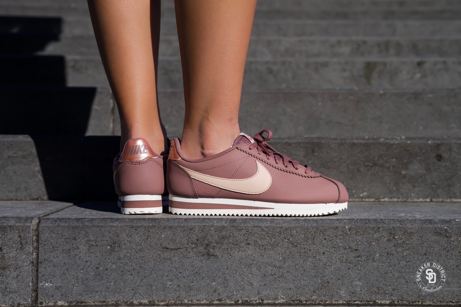 Nike Wmns Classic Cortez Leather (Beige) - Sneakers