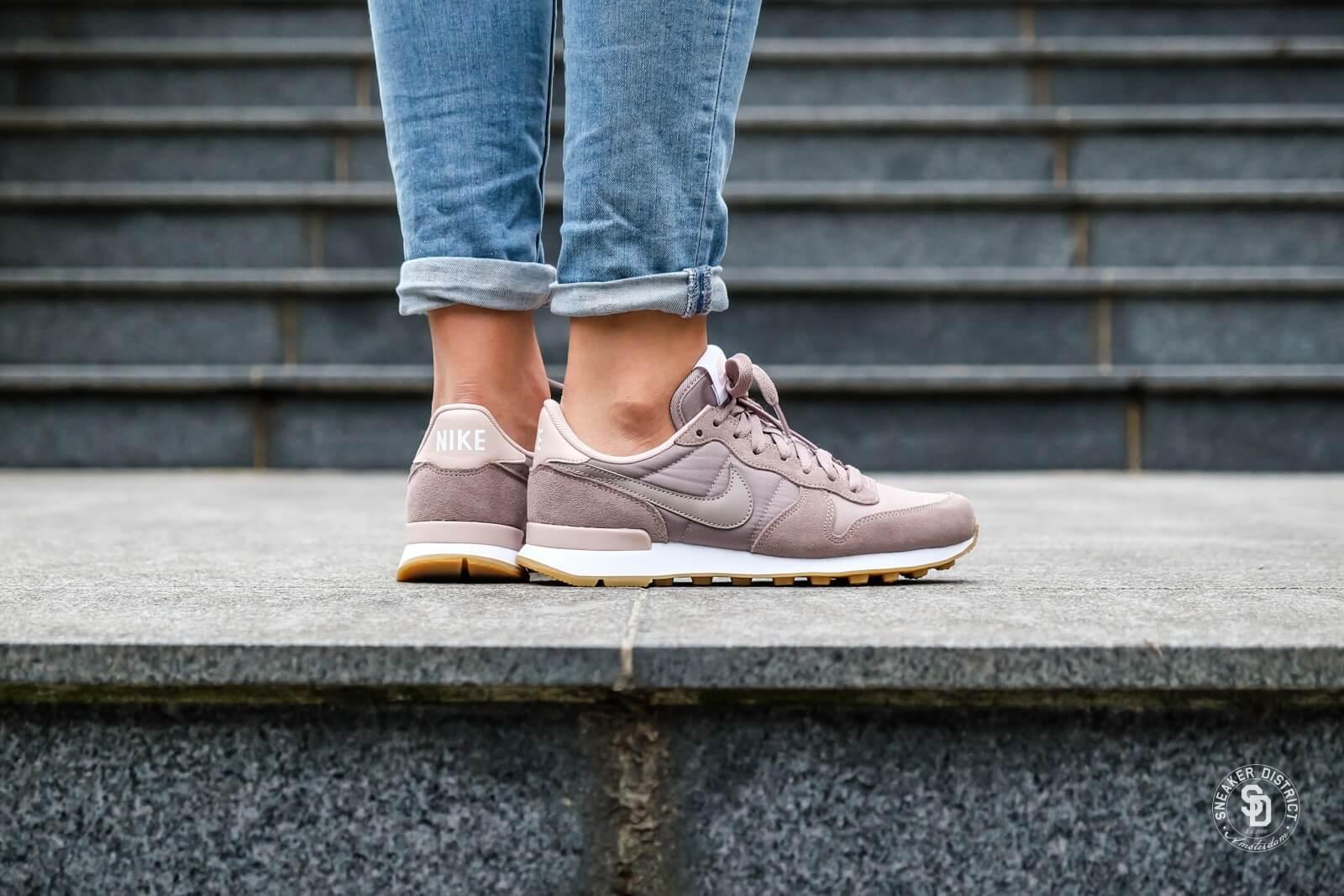 Nike Women's Internationalist Sepia Sneaker District