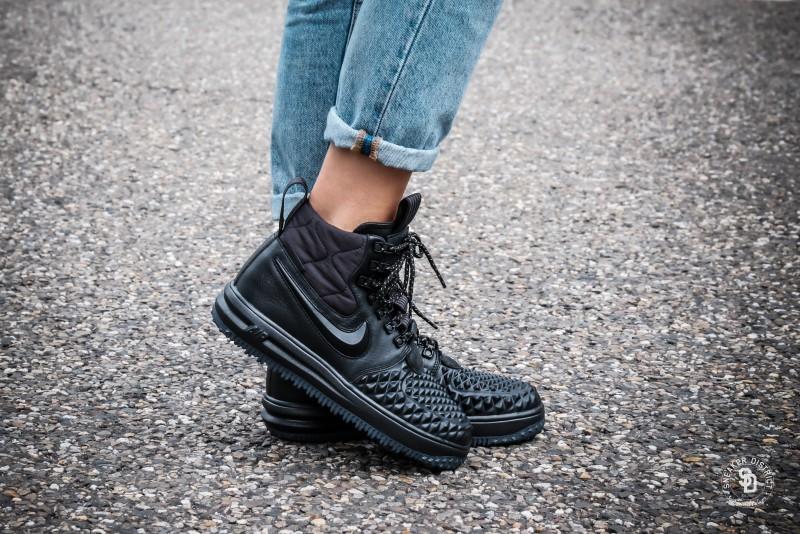 more photos 903eb 7ed81 Nike Womens Lunar Force 1 Duckboot BlackBlack-White sneakers  Online  sneaker store  Sneaker District