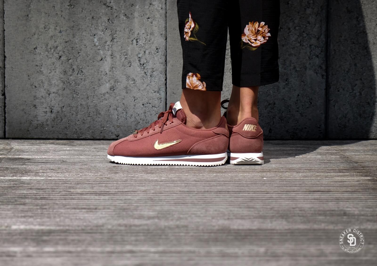best sneakers 0a72f eb251 usa womens nike cortez gold red ff7c9 8d2ec