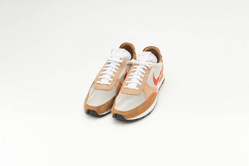 Nike Daybreak-Type Light Bone/Orange Hemp-Dark Driftwood