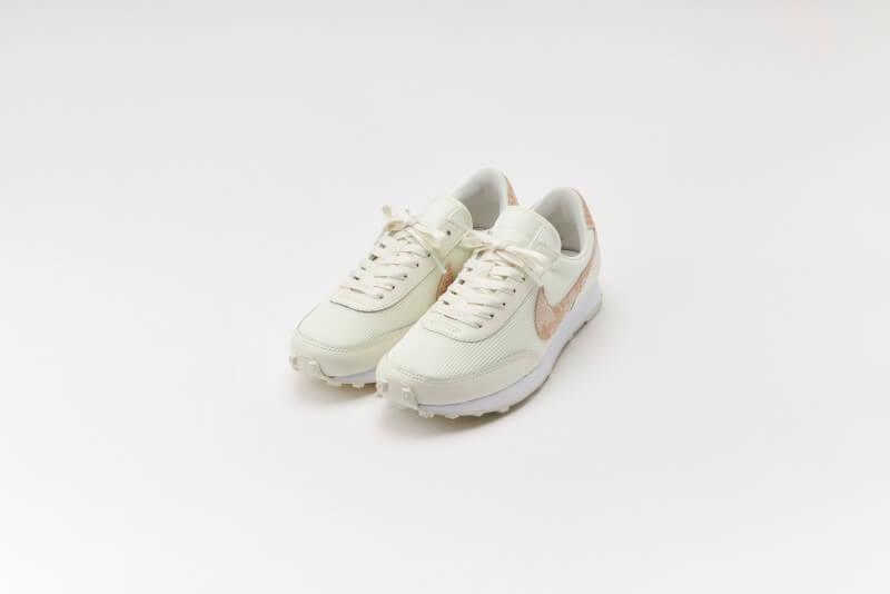Nike Women's Daybreak Snakeskin Sail/Particle Beige-White