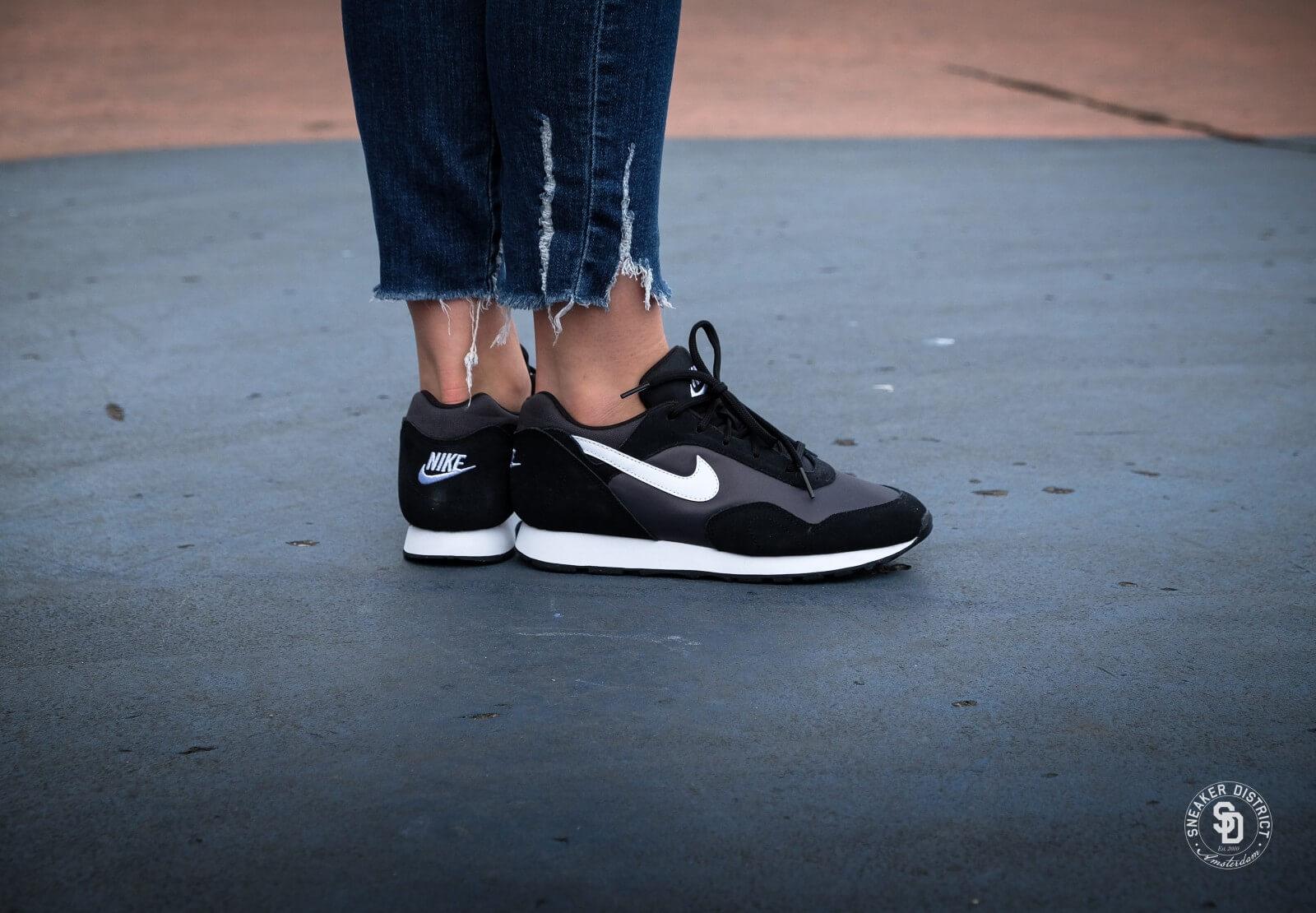 buy online e5df7 d62b9 Nike Womens Outburst Black-White-Anthracite-1600.jpg