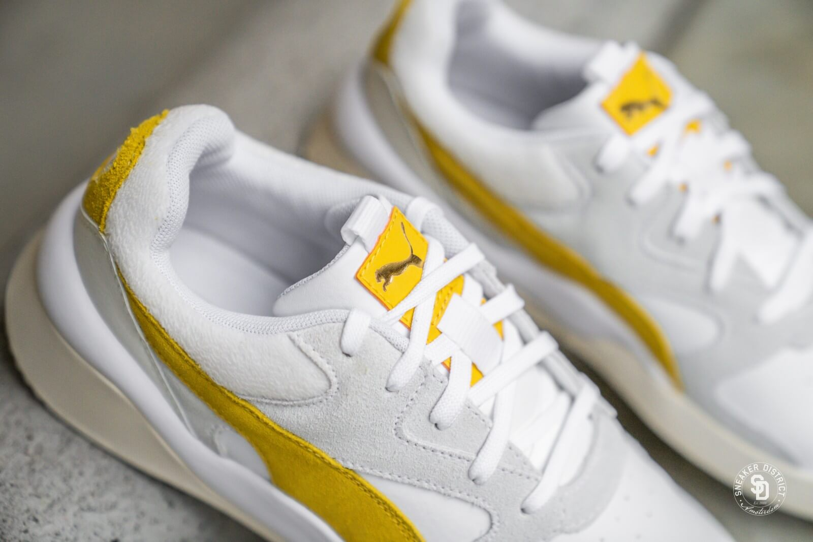 puma yellow and white \u003e Clearance shop