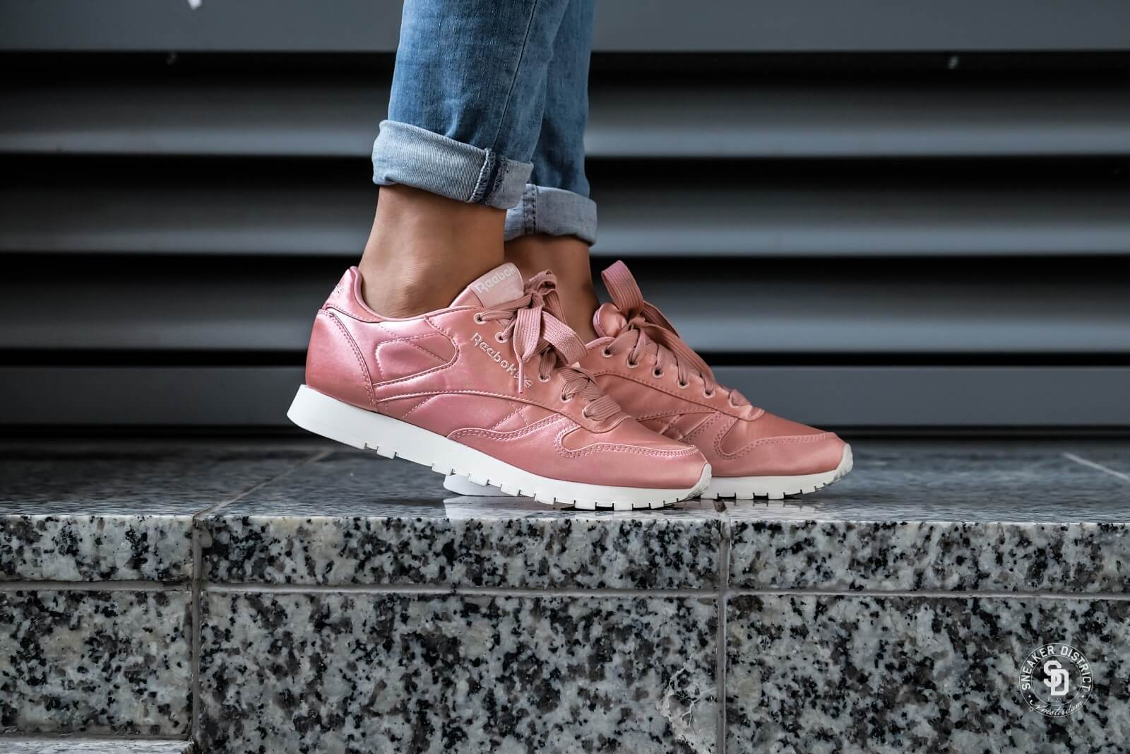 Reebok Classic Leather Satin Sneaker Damen Rosa NEU Schuhe Turnschuhe