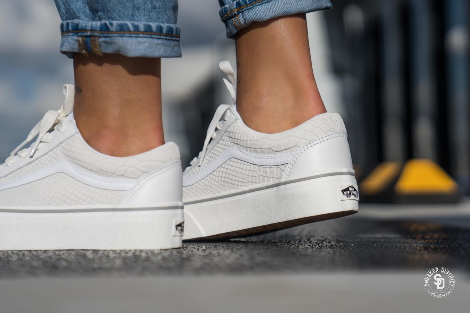 vans platform white