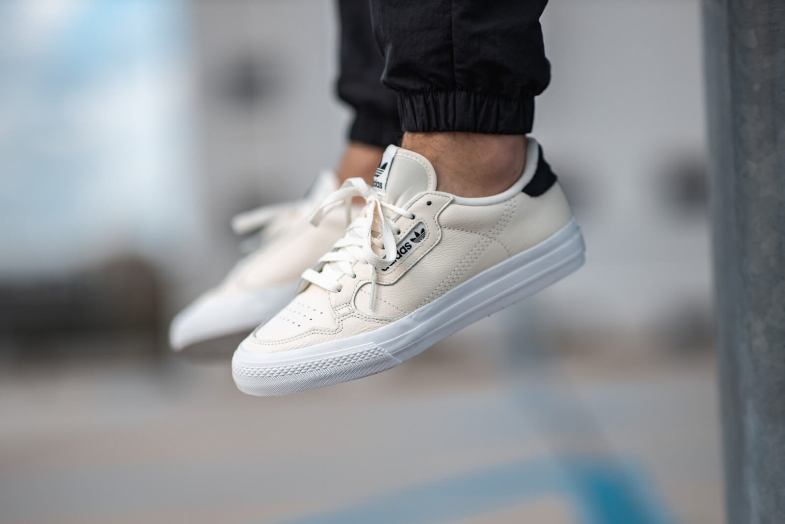 Adidas Continental Vulc Off White/Core Black - EG4589