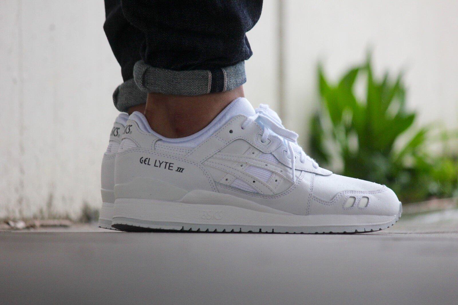 white asics gel lyte iii