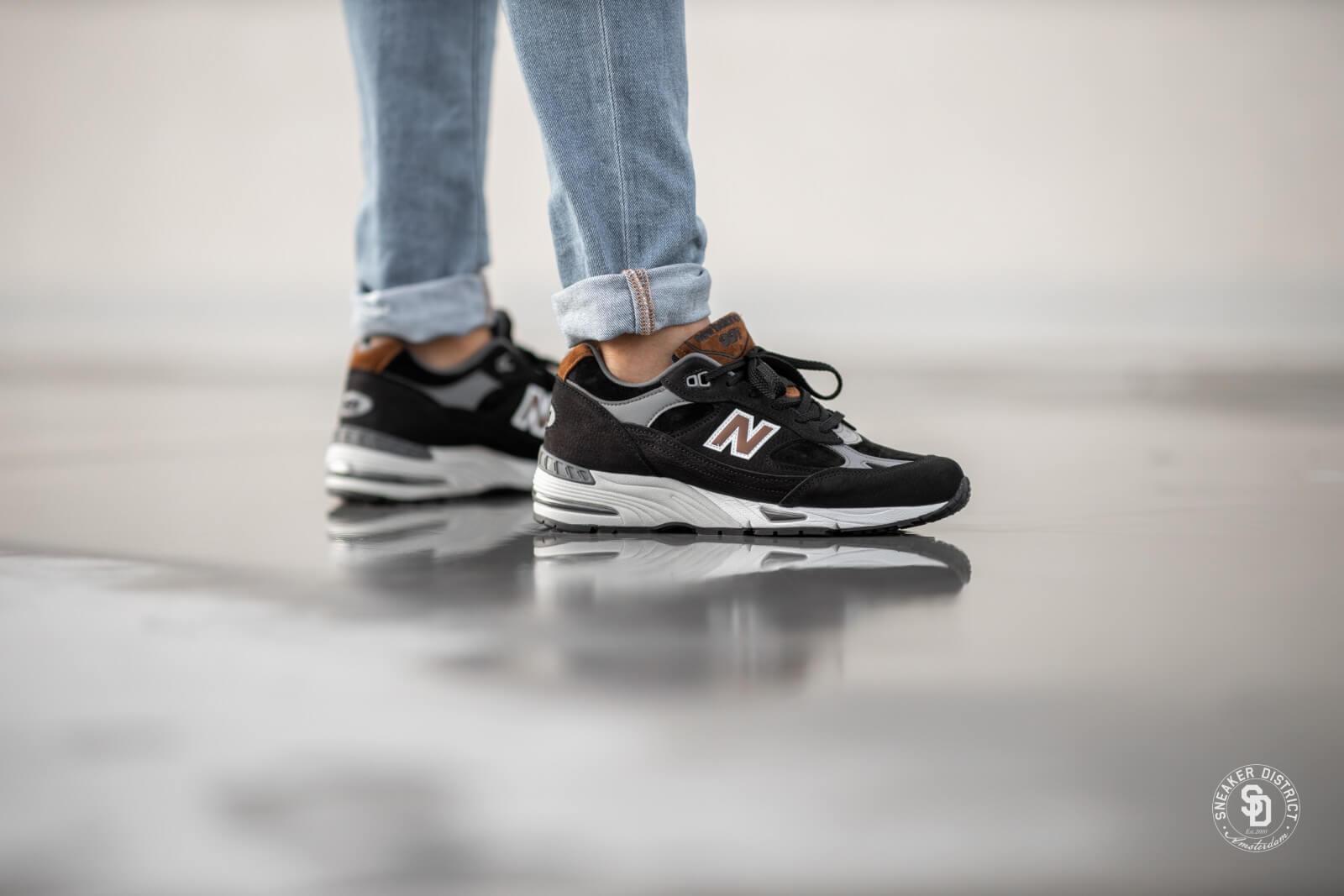 new balance black 991