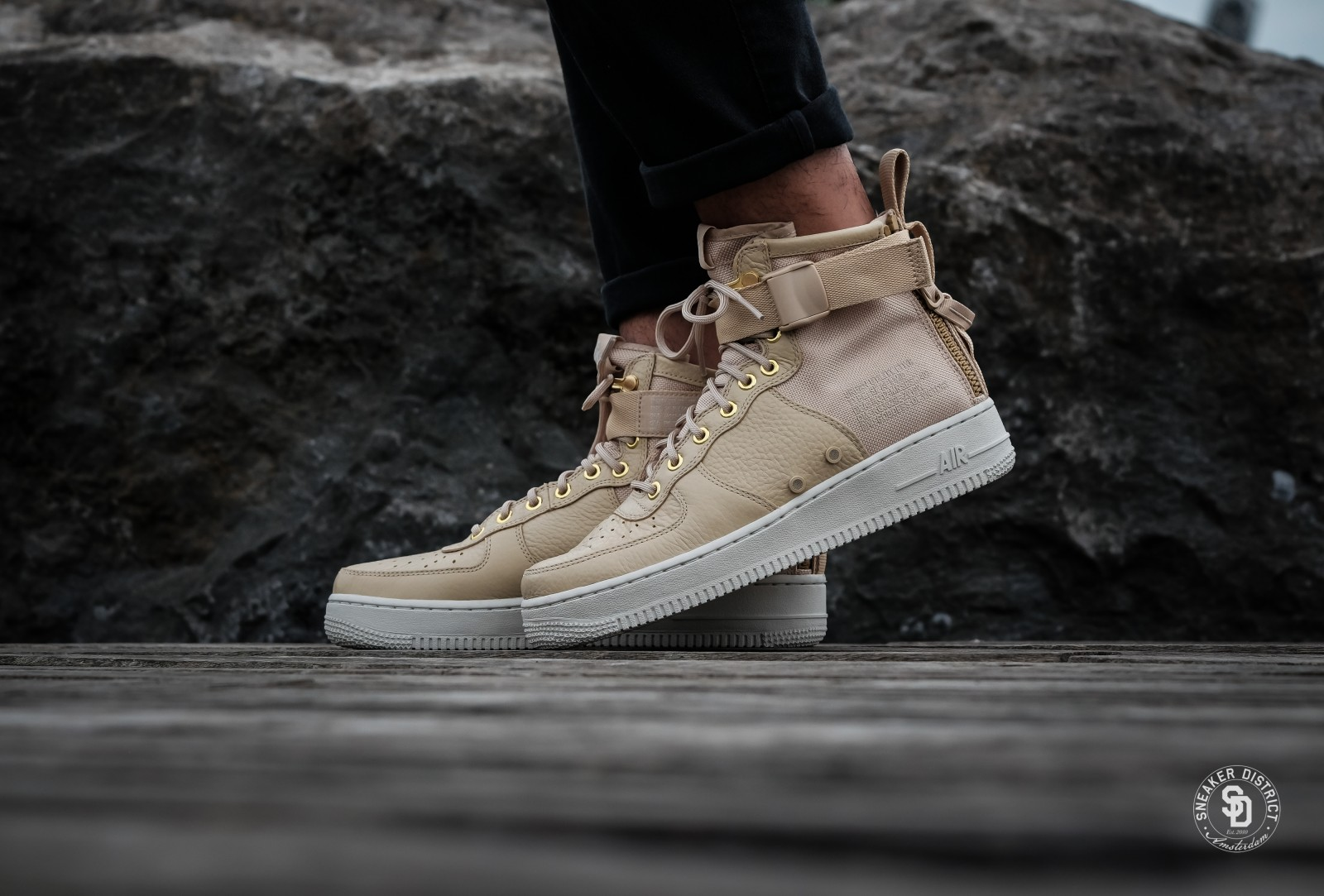 on sale faefb 230d5 nike air force 1 mid light bone