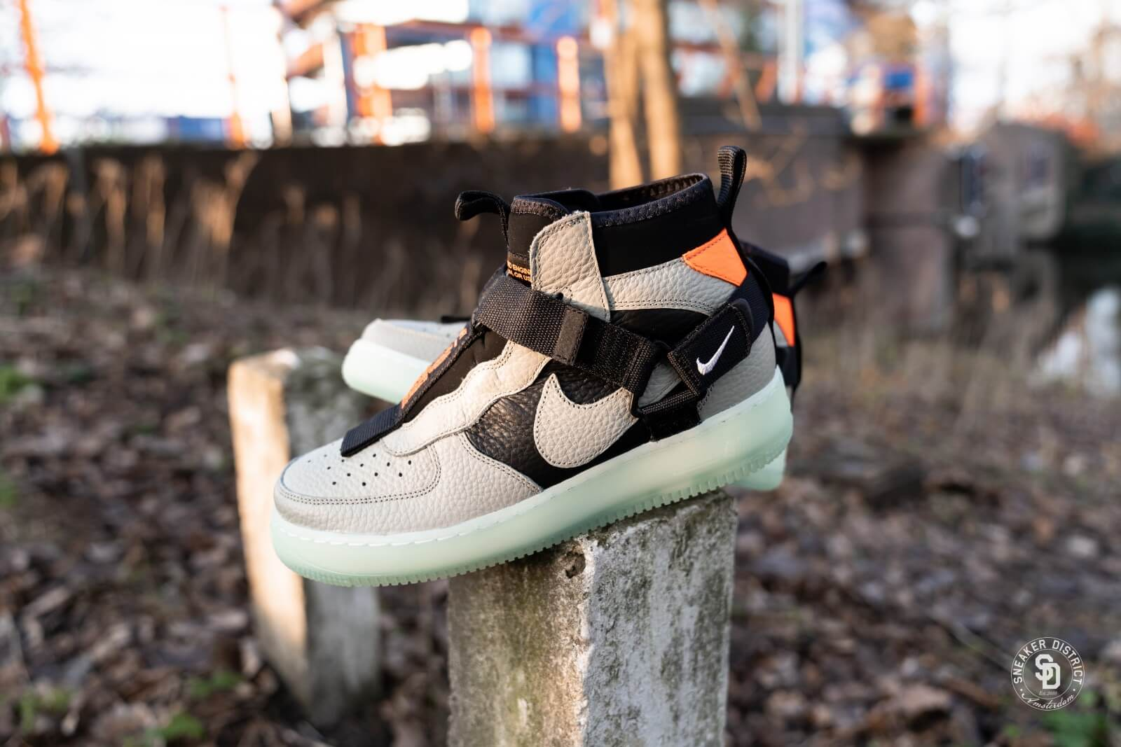 Nike Air Force 1 Utility Mid Spruce Fog/Black/Frosted Spruce - AQ9758-300