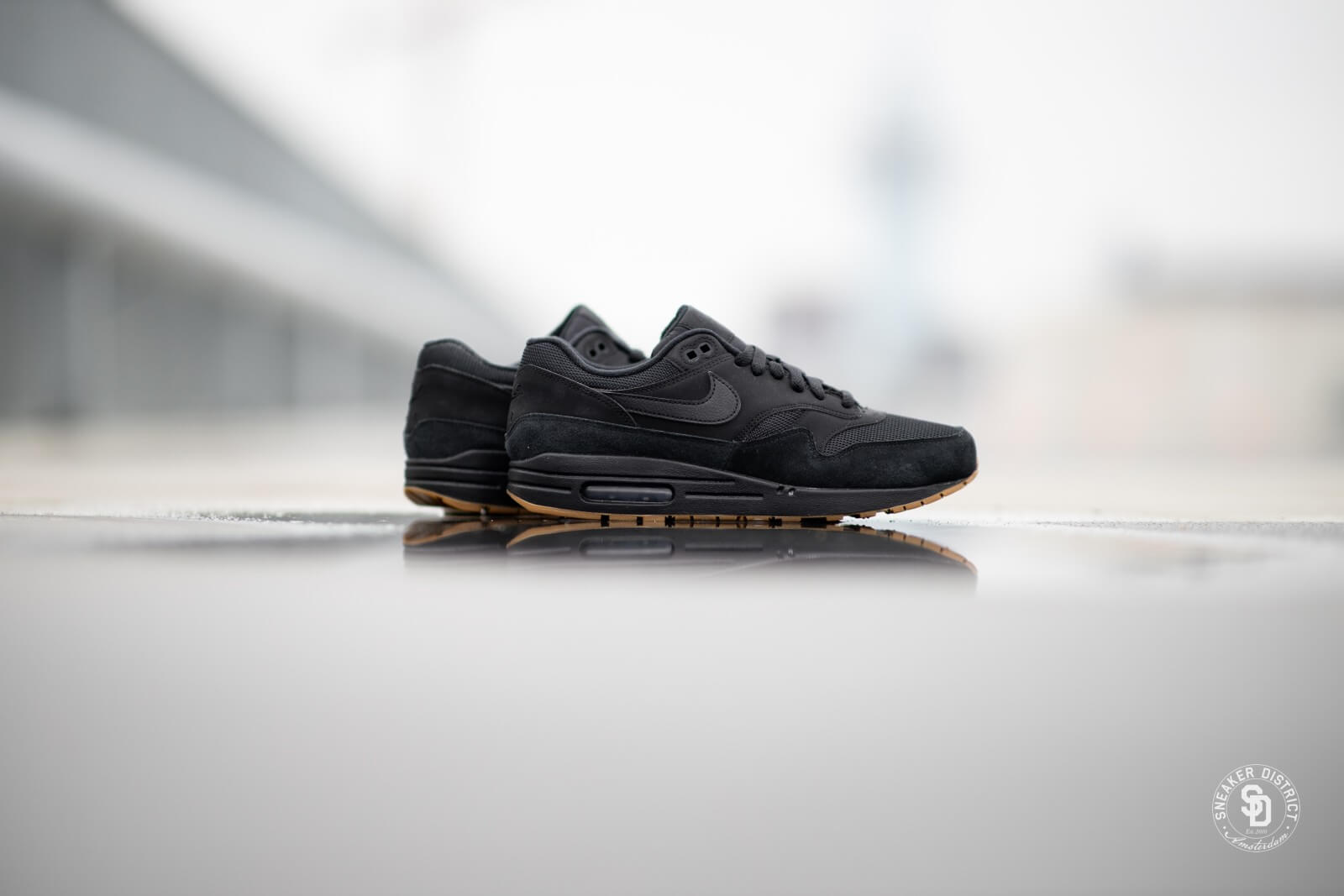 air max 1 black gum sale