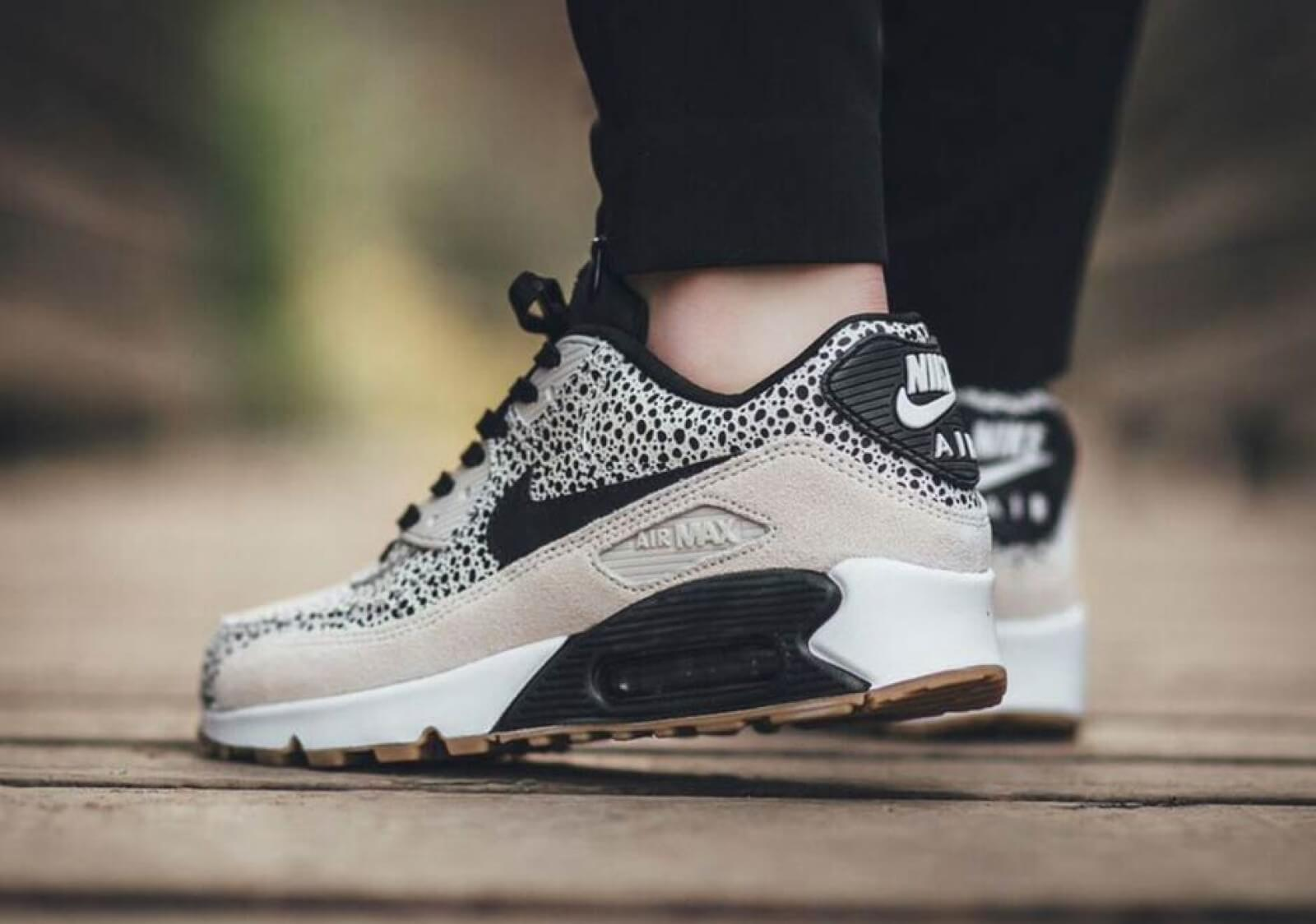 Nike Wmns Air Max 90 PRM WhiteBlack Gum Light Brown 443817 102