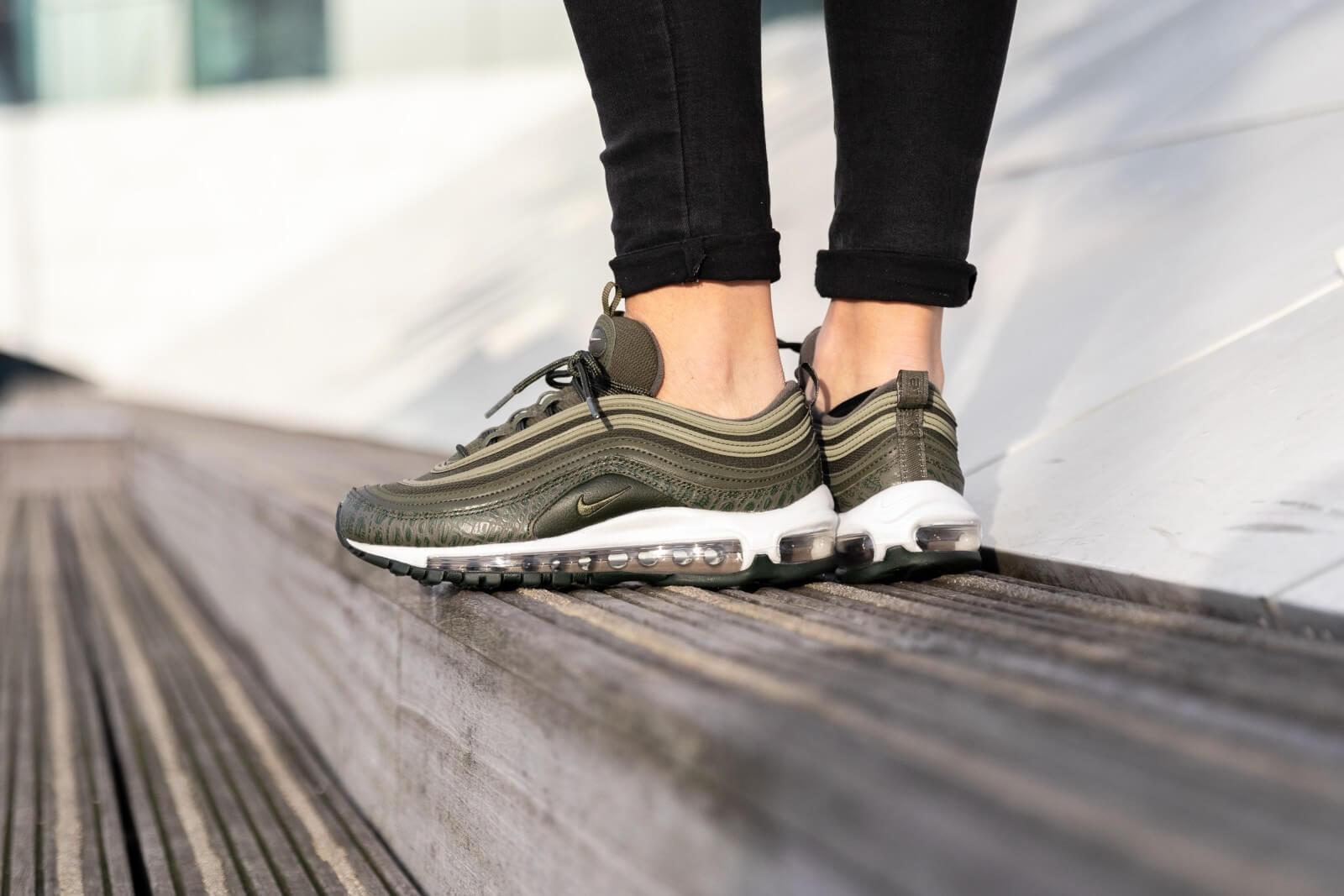 kaki groen air max