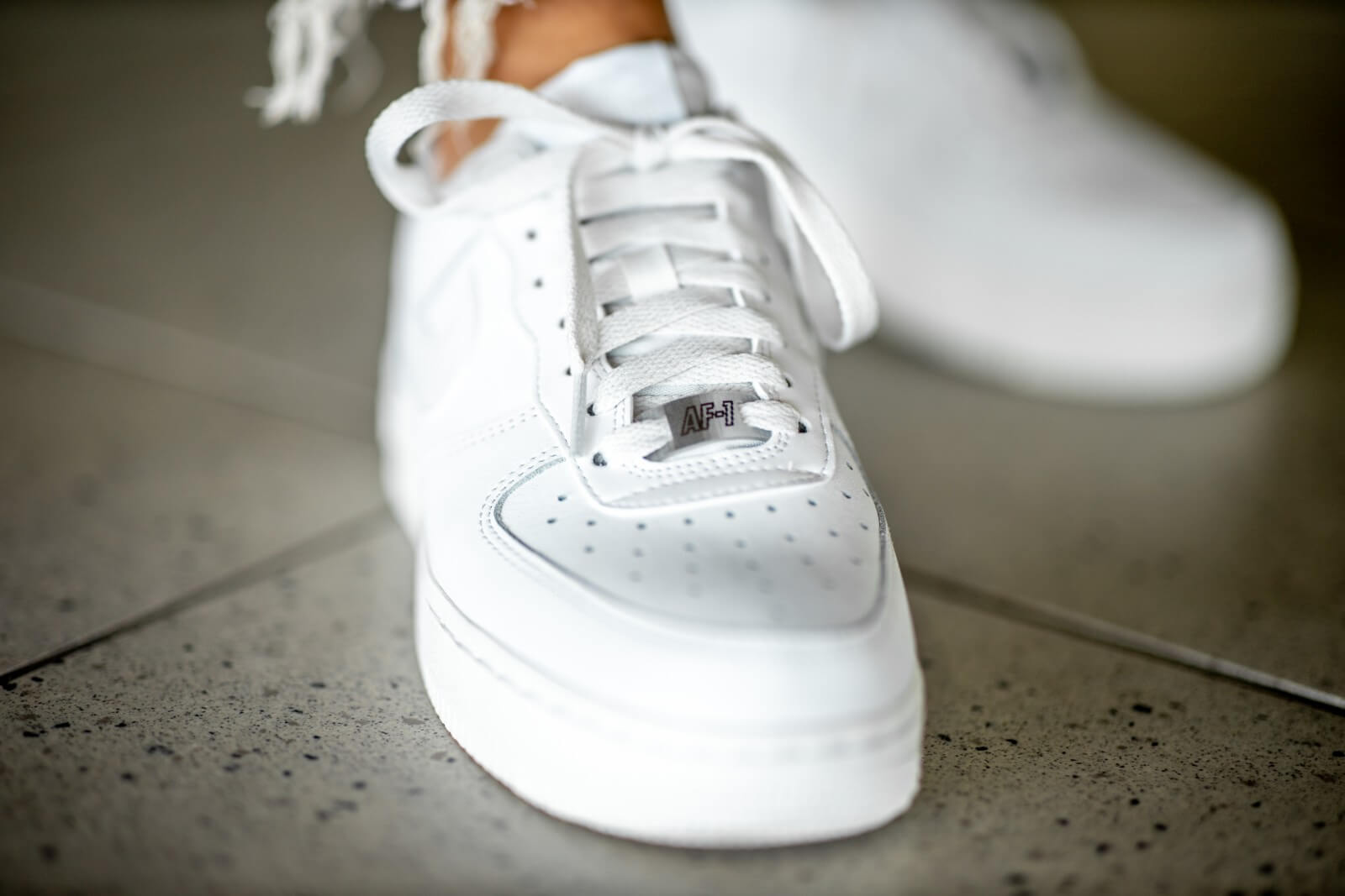 nike air force 1'07 essential blanche et or femme