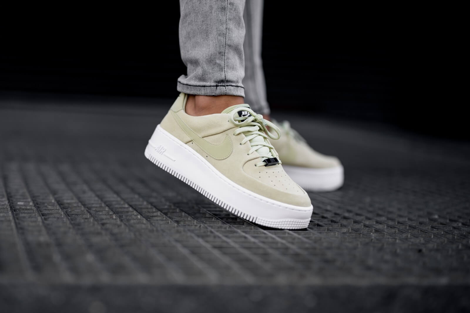 Nike Women S Air Force 1 Sage Low Olive Aura White Black Ar5339 301
