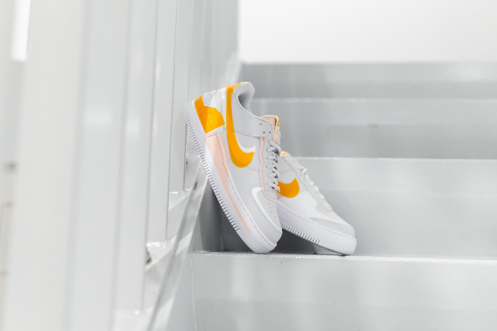 Nike Women S Air Force 1 Shadow Vast Grey Pollen Rise Washed Coral