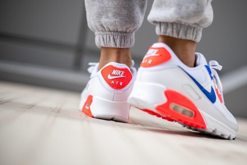 Nike Women's Air Max 90 SE White/Racer Blue-Flash Crimson