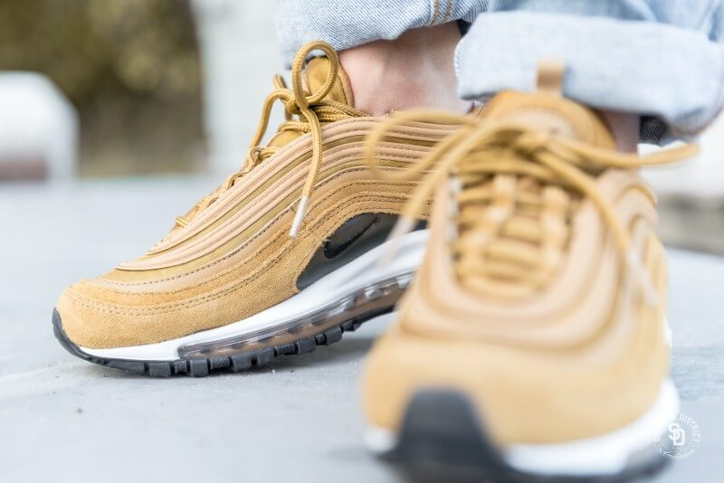 Nike Womens Air Max 97 SE Muted bronzeblack white AV7027 200