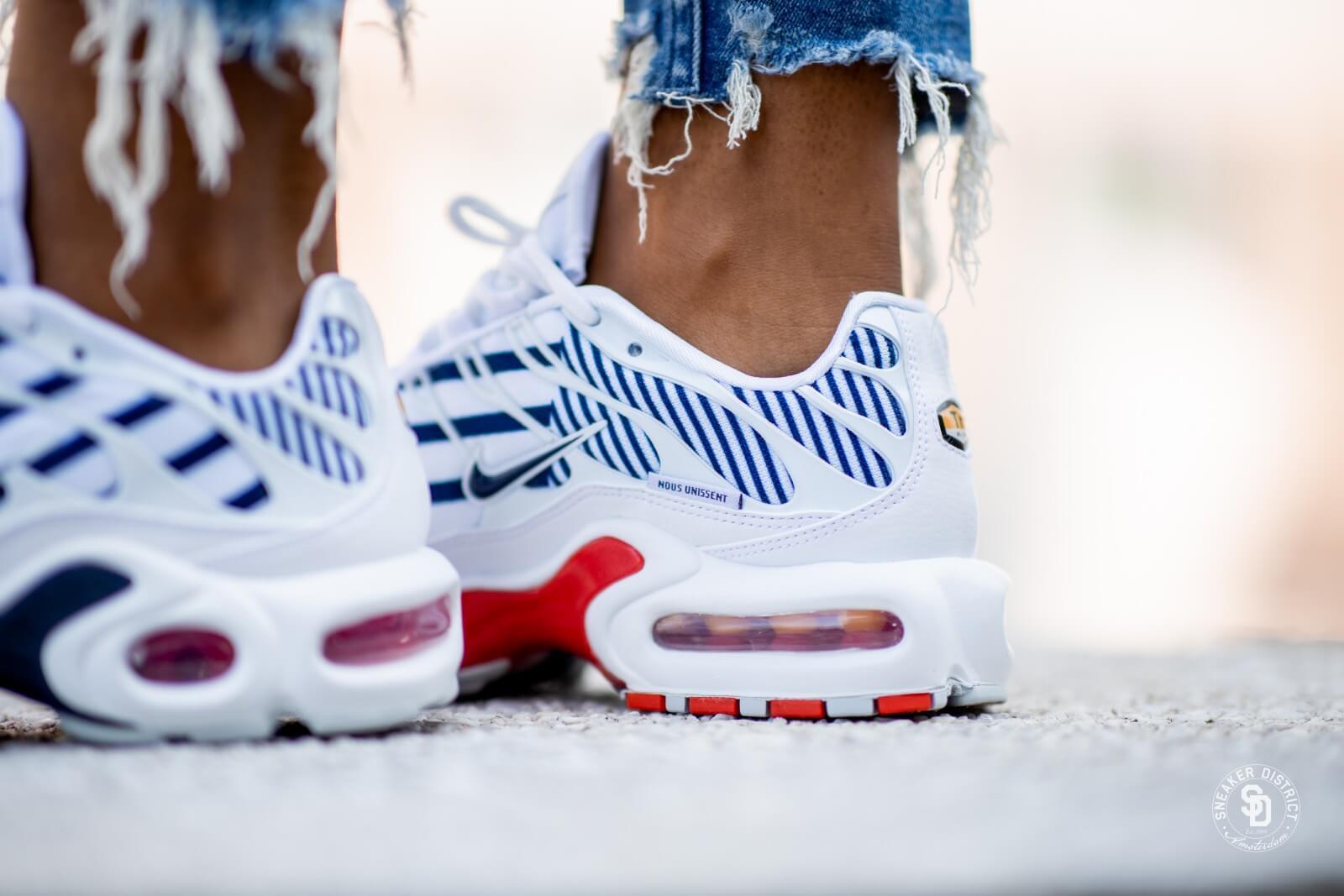 Nike Women S Air Max Plus Tn White Midnight Navy Metallic Red