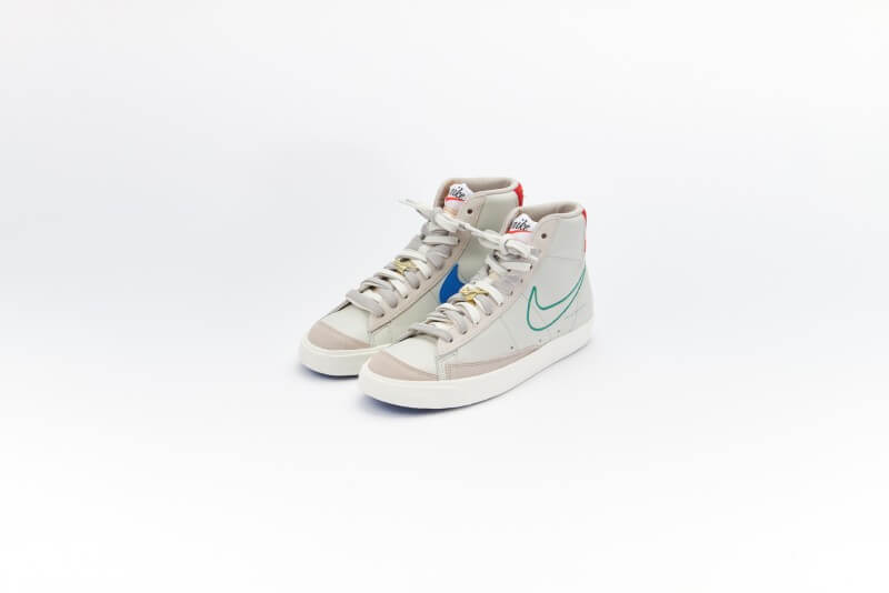 Nike Women's Blazer Mid '77 SE Light Bone/Green Noise-Cream II-Sail