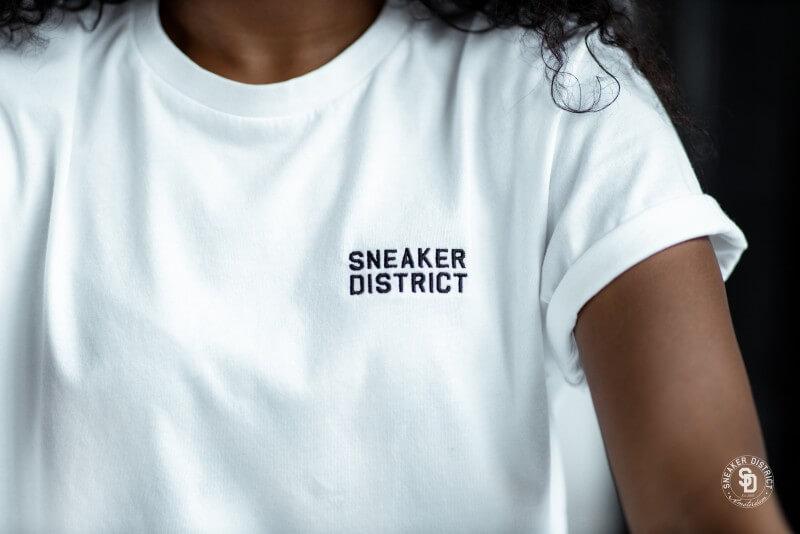 Sneaker District Typo T-Shirt White/Black