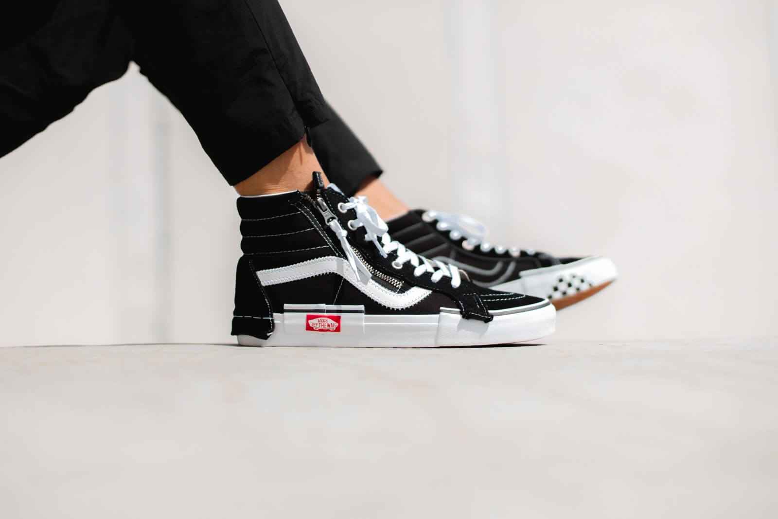 Vans Sk8-Hi Reissue Cap Black/True White - VN0A3WM16BT