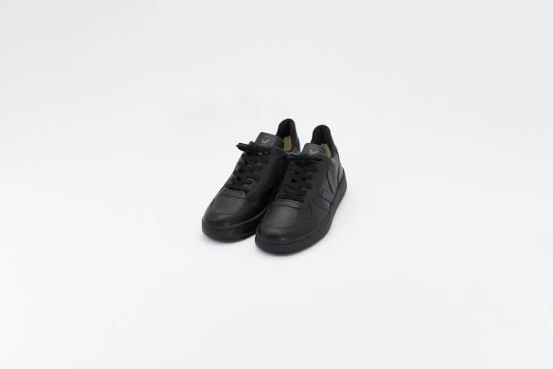 Veja V-10 CWL All Black
