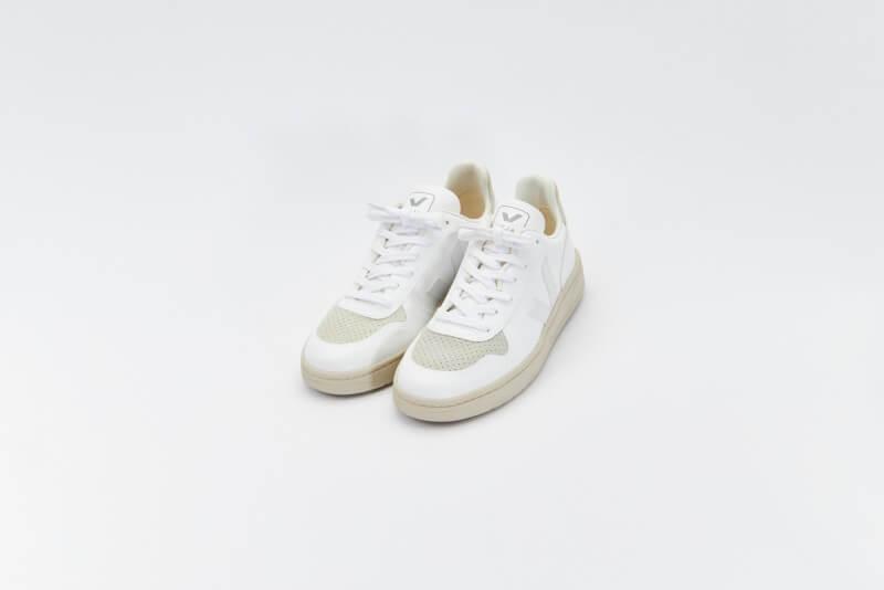 Veja V-10 CWL Full White/Natural