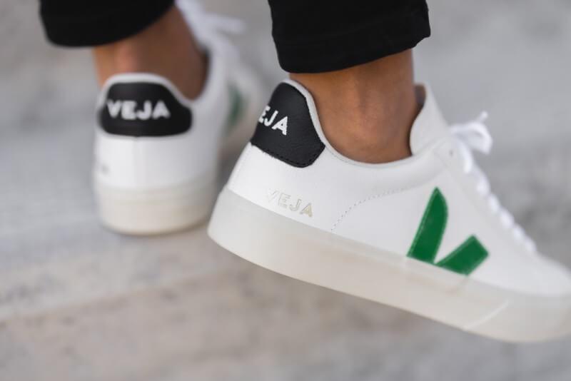 Veja Women's Campo Chromefree Leather Extra White/Emeraude-Black